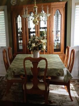 Keller Oak Dining Room Set For Sale In Ronkonkoma New