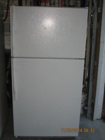 KENMORE APARTMENT SIZE REFRIGERATOR TOP FREEZER ICE MAKER (white ...