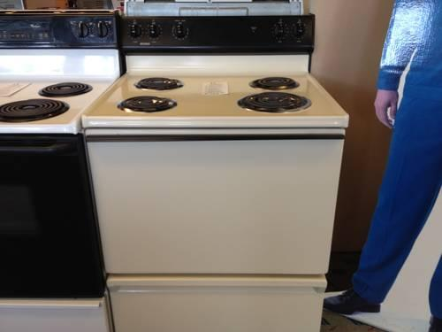 Kenmore Bisque Amp Black Electric Range Stove Oven Used