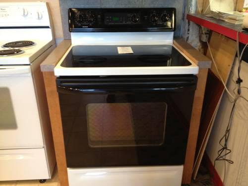 Auto Credit Post Falls >> Kenmore Black & White Smooth Glass Top Electric Range Stove Oven USED for Sale in Tacoma ...
