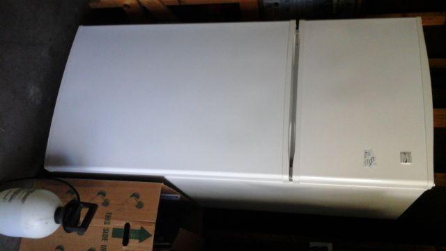 Kenmore coldspot refrigerator