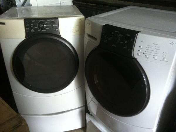 Kenmore HE3 Front-Loading Clothes Washer  Dryer White Pedastools - $500