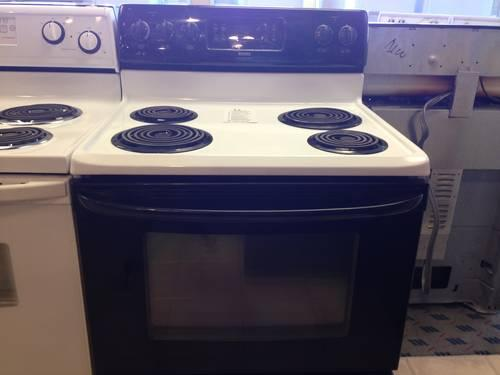 Kenmore White & Black Electric Range Stove Oven Warming