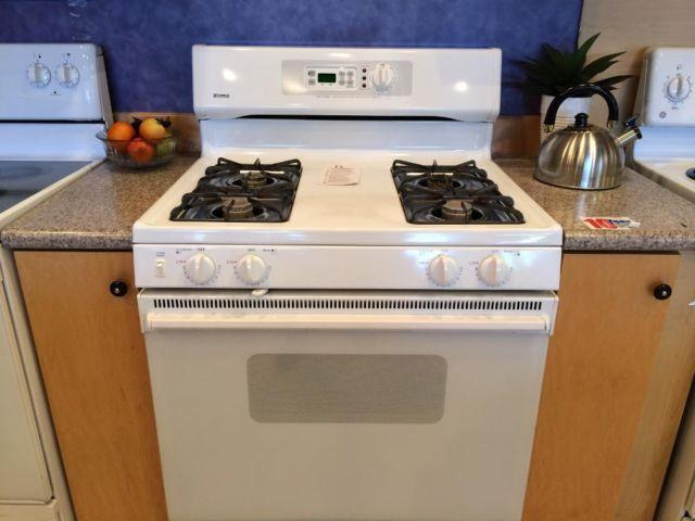 kenmore white gas range stove oven used for sale in tacoma washington classified. Black Bedroom Furniture Sets. Home Design Ideas