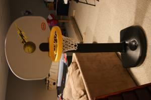 Kids Basketball hoop - $30 (Grand Blanc)