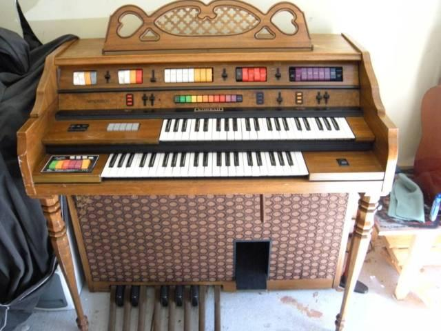 Kimball Organ Entertainer III