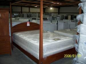 Kincaid Pencil Post Bed Queen Hickory For Sale In
