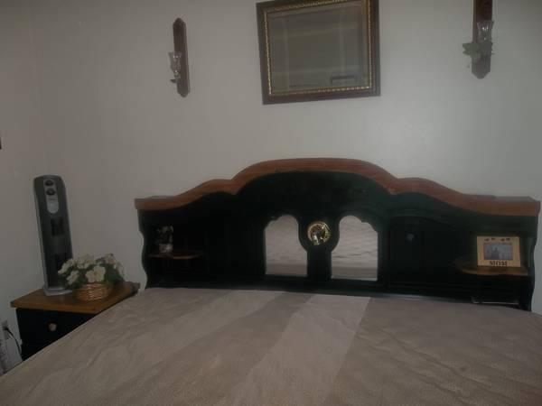 king bed & matt. bedroom set top of line...trade - for Sale in ...