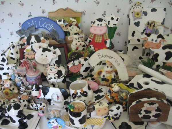Kitchen Cow Decorations Woodlands