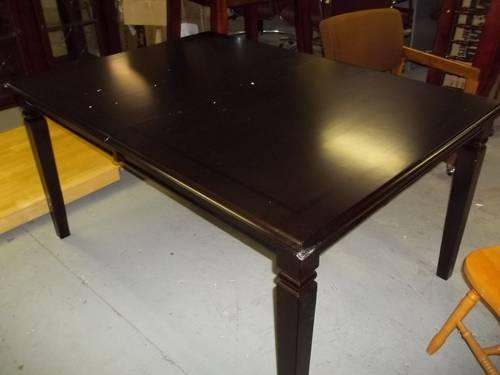 Kitchen & Dining Room Tables - Scratch & Dent Sale