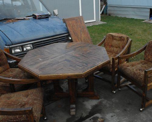 Kitchen table chairs yakima for sale in yakima for Furniture yakima washington