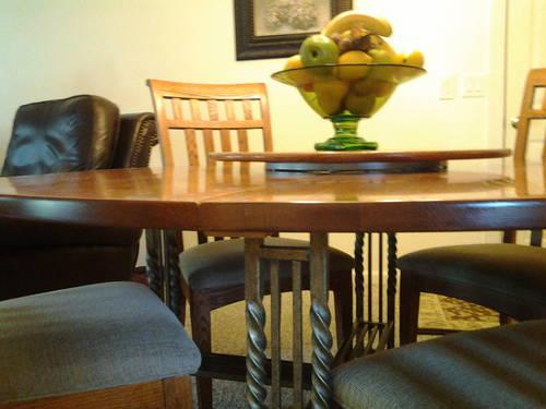kitchen table dark wood four chairs for sale in jonesboro tennessee classified. Black Bedroom Furniture Sets. Home Design Ideas