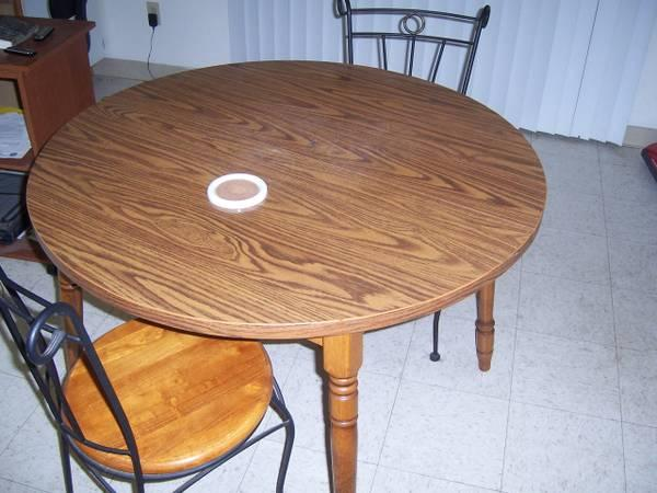 kitchen table w 4 chairs price reduced for sale in