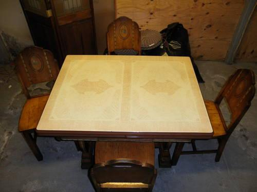 Kitchen Table w 4 matching Chairs 1950\'s Enamel Top with ...