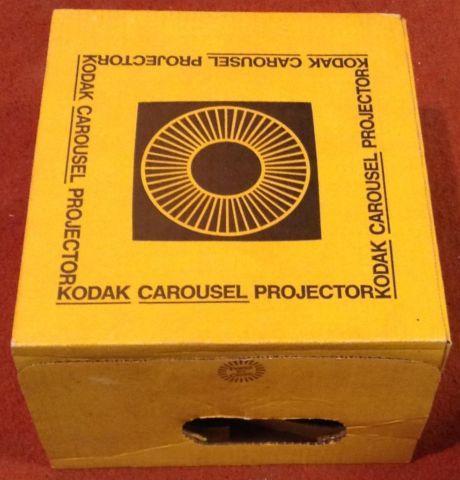 Kodak Carousel 850H Slide Projector w Ektaner 4-6 Zoom Lens  Remote