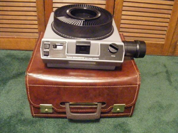 Kodak carousel slide projector - $65