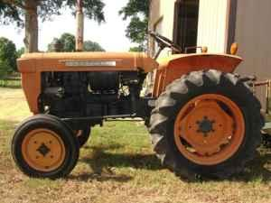 KUBOTA L210 TRACTOR AND ATTACHENTS - $4200 (HURLEY, MS)