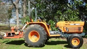 Kubota Tractor w/ finishing mower - $6400 (Winnsboro,