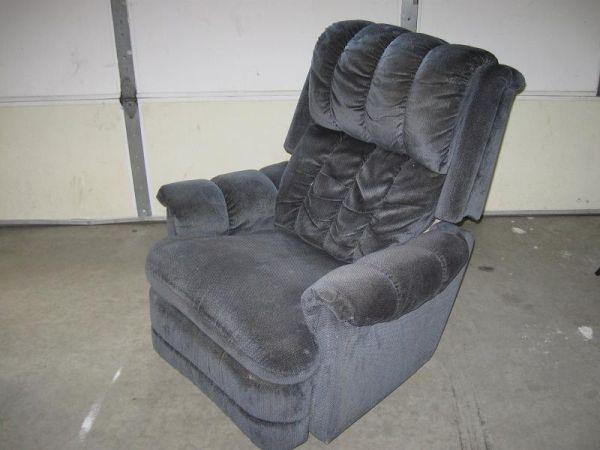 La Z Boy Lazy Boy Recliner Rocking Chair 501 Bell Ave