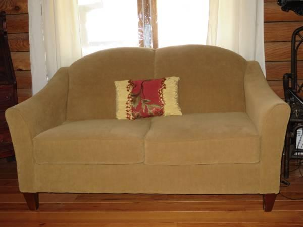 LA-ZY BOY Sofa Couch & matching Loveseat. Camel color -