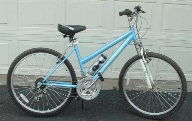 Ladies 18 speed Roadmaster Mountain Sport