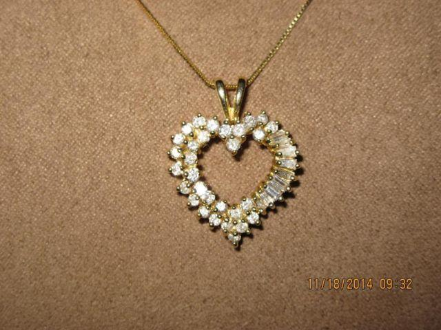 La s 1k Yellow Gold Diamond Heart Pendant for Sale in Tomah Wisconsin Clas