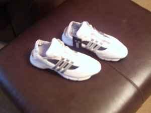 Ladies Golf Shoes Size 8.5 - $55 Martinez