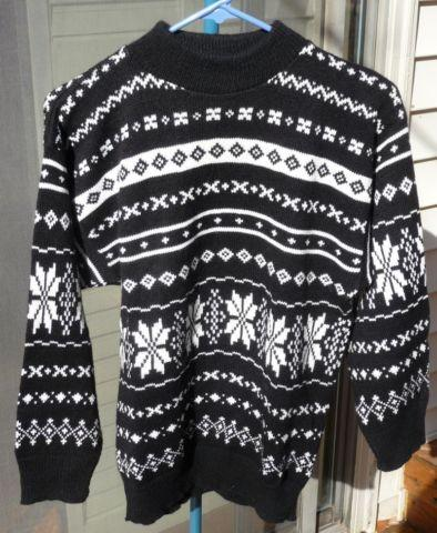 LADIES SWEATERS, SIZE SMALL