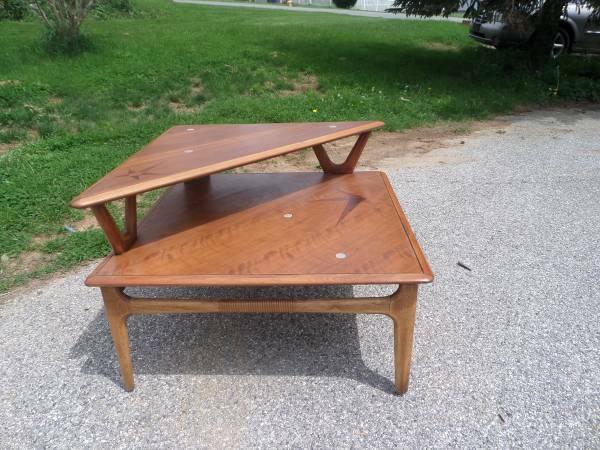 LANE Mid Century Mod Tier Side Table Corner Stand For Sale In - Mid century modern corner table