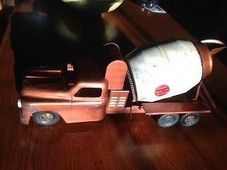 Large 1950s-Vintage Buddy L Pressed Steel cement mixer truck
