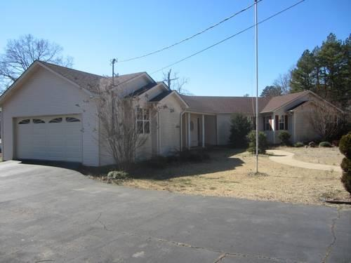 Large 4bd 2ba home w 2 car garage on 1 acre bamboo floor for How many square feet is a 2 car garage