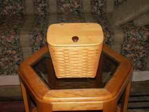 Large Beautiful Longaberger Basket with Lid - $45