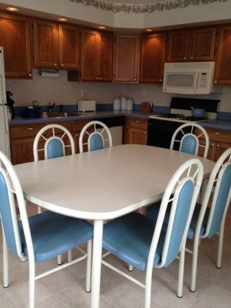 Large Bisque/White Kitchen Table and 4-6 Chairs with blue ...