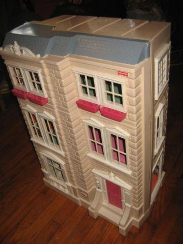 Large Interactive Dollhouse By Fisher Price Fold Out