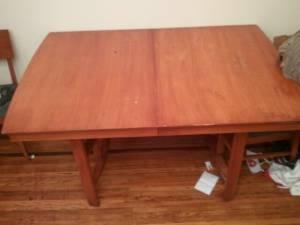 Large kitchen table w/ six chairs - $50 (Price hill,