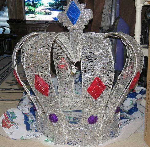 Large lighted crown outdoor lawn ornament christmas for for Large christmas lawn ornaments