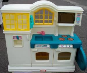 Large Little Tikes Country Kitchen Anderson 45230