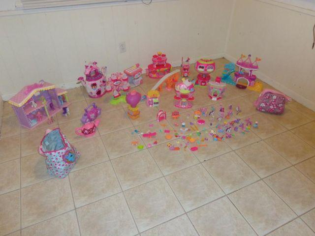 Large My Little Pony 13 Houses Ponyville, Ponys, ans Extras