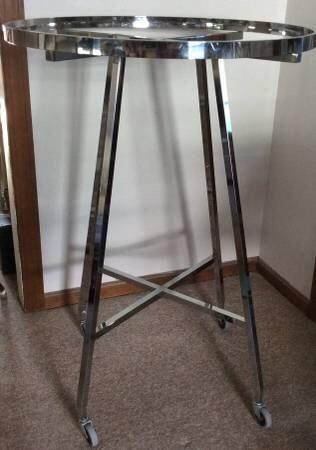 Large Sturdy Metal Clothing Rack on Wheels