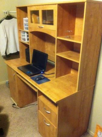 Large Wooden Desk Perfect Condition For Sale In Roy Utah Classified