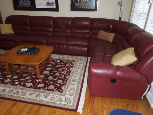 LAZY BOY BURGUNDY LEATHER SECTIONAL