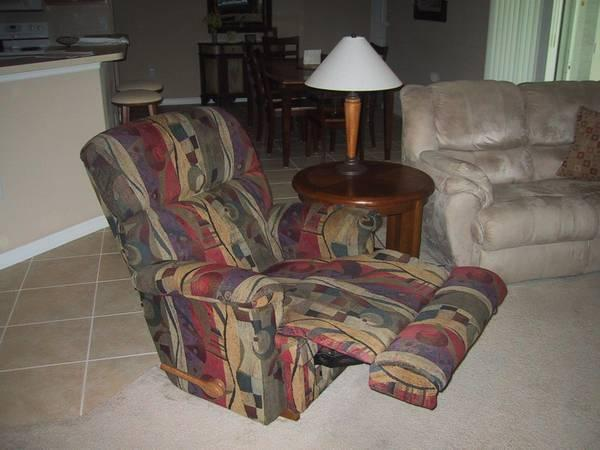 Lazy Boy Recliner Amp Matching Artwork For Sale In Palm