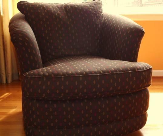 Lazy Boy Swivel Occasional Chair   $150