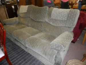 Lazyboy Dual Reclining Sofa - (J.Millers) for Sale in Pensacola ...