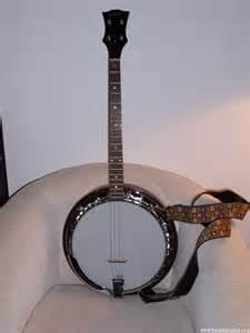 Leach Enterprises has a Banjo for Sale for Christmas Online