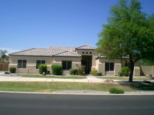 Least expensive custom home in circle g ranch 4br for Least expensive house