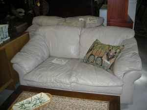 Leather Couch Loveseat Used   (Daphne,Al For Sale In Mobile, Alabama