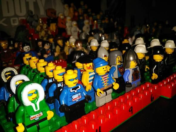 Lego minifigures mania $5 and up - $5