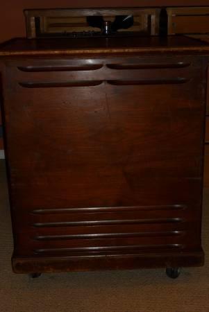 Leslie 145   2 Speed Speaker Cabinet   $1350