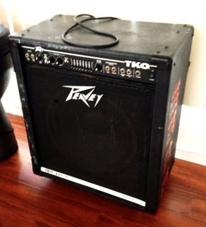 Cheap Bass Guitar Amps : letting go cheap peavey tko 115s bass guitar amplifier combo look for sale in oakland ~ Vivirlamusica.com Haus und Dekorationen